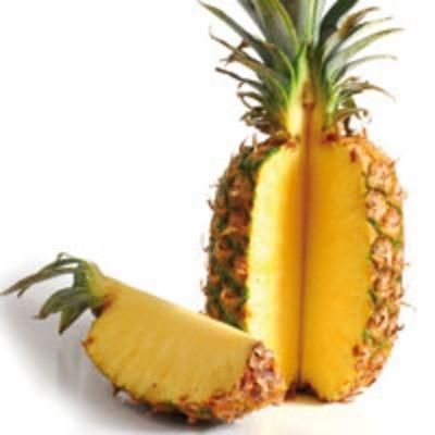 Frische Ananas 1 Stück